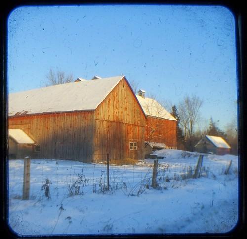 332:365冬天的旧谷仓