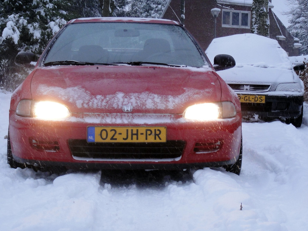 Getting stuck (Martin_Borgman) Tags: winter white snow honda stuck sony  civic coupe vast