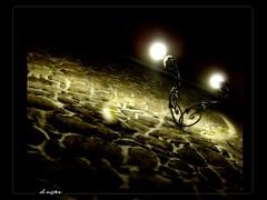 afuera de la oscuridad < > out of the dark
