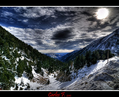 Valley in HDR (Carlos F1) Tags: sky snow photoshop high spain nikon 2000 skiing dynamic nieve valle resort valley range hdr pirineos pirineo d300 pyrinees photomatix tonemapped tonemapping tonemap vallter2000 vallter