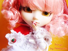 Ponyo (My Melody) (pekemundo) Tags: bear brick ikea shop jack toys pull outfit strawberry stock melody wig converse mano inside pullip merry rement emi camiseta ropa sof marrone cornice skellington hecho peluca obitsu my ponyo mimiwoo pullipstyle junkyspotdolls