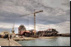 EL ASTILLERO - BURRIANA (CASTELLN - SPAIN) (ABUELA PINOCHO ) Tags: espaa puerto mar spain barcos nubes grua castellon astillero burriana