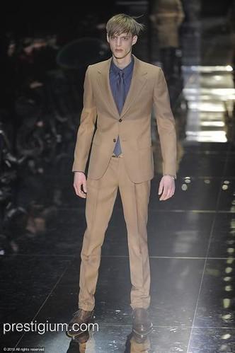 Benoni Loos3049_FW10_Milan_Gucci(prestigium com)