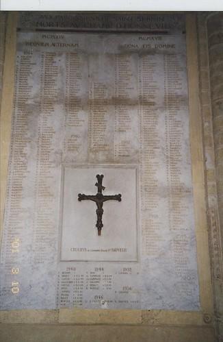 2001-03-10 Toulouse France (dedans la Basilique Saint-Sernin)