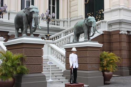 Guarding Chakri Maha Prasat Hall