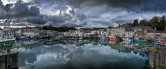 Padstow Between The Showers. 31/01/10 (_ justintheframe_) Tags: panorama reflections boats cornwall harbour padstow padstein justintheframe