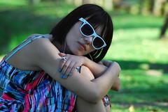 [フリー画像] [人物写真] [女性ポートレイト] [アジア女性] [サングラス] [黒髪] [ドレス]     [フリー素材]