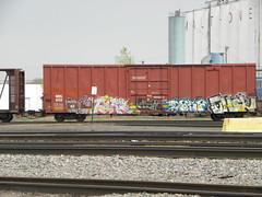 tars - ehok (H.R. Paperstacks) Tags: streetart art graffiti paint steel painted graf spraypaint graff aerosol tars freights spraypainted benching ehok