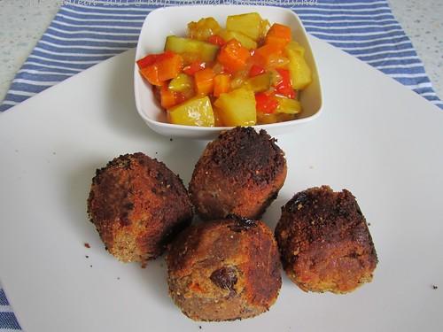 ©Indische Bällchen mit süß-saurem Gemüse