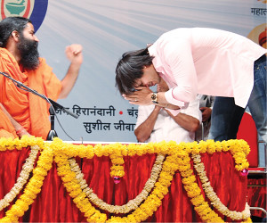 Seeking thy blessings   Vivek Oberoi with Baba Ramdev