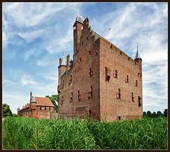 My home is my castle (2) (Bert Kaufmann) Tags: holland castle netherlands nederland schloss château hdr floris olanda niederlande kasteel gelderland doornenburg kasteeldoornenburg doornenburgcastle