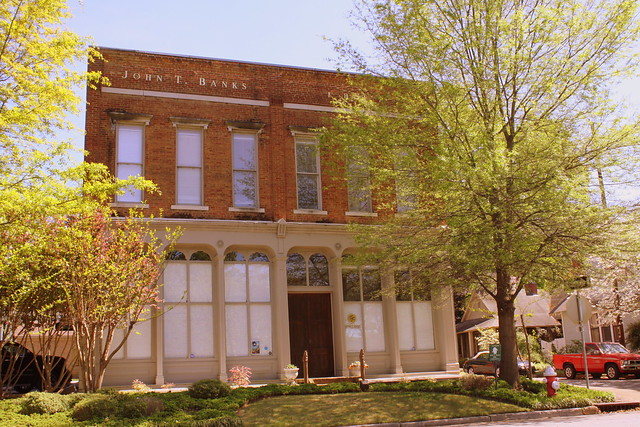 John T. Banks Building (and formerly Morgan County Courthouse) - Decatur, AL