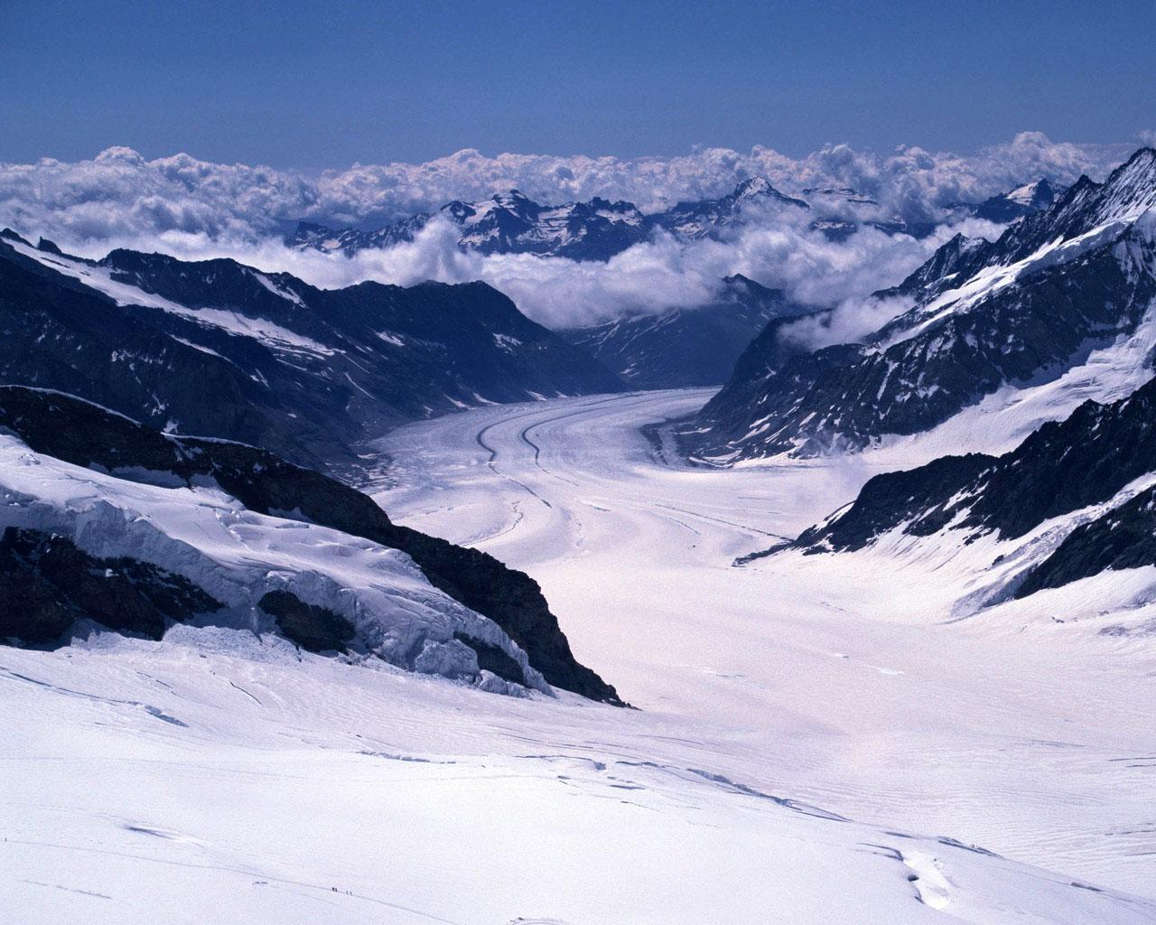 Pemandangan Salju Megah Di Pegunungan Salju HD Wallpaper Gratis 47