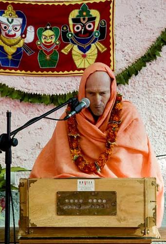Summer Camp with Bhakti Vikas Swami in Croatia por ISKCON desire  tree.