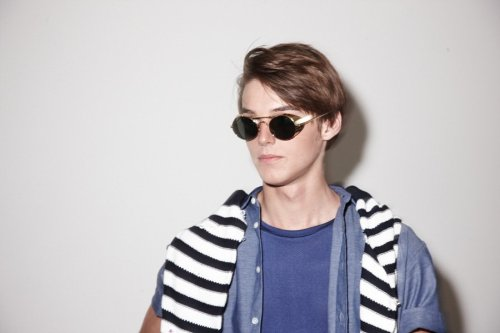 Robbie Wadge3127_SS10_London_Lou Dalton BS(Dazed Digital)