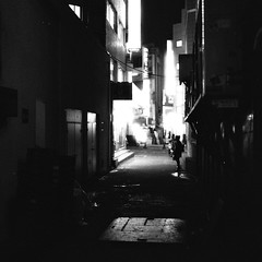 2029/1715 (june1777) Tags: street leica light 2 bw girl night 35mm square alley cosina voigtlander snap crop lucky seoul 100 pushed m6 nokton f12 jongro