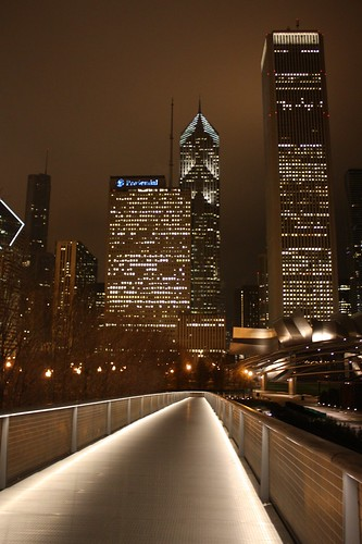 Looking back on Millenium Park from the top of the walkway ...