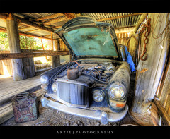 Rolls Royce  4ever a Gem :: HDR (:: Artie | Photography :: Offline for 3 Months) Tags: car metal photoshop canon cs2 engine rusty australia wideangle rollsroyce headlights dirty tasmania handheld vehicle hobart 1020mm bonnet scrap hdr rundown artie 3xp sigmalens photomatix tonemapping tonemap 400d rebelxti austinprincess