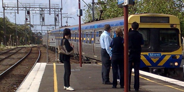 Comeng train at Glenhuntly