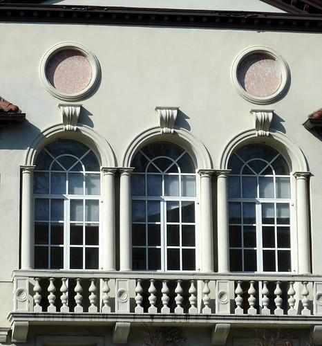 P1000629-2010-02-07-Shutze-Emory-Harris-Hall-East-Facade-Window-Detail