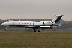 ZS-AOL - 634 - Private - Gulfstream V - Luton - 091111 - Steven Gray - IMG_4462