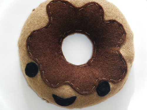 Chocolate doughnut plush (zoom)