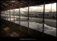 Da de lluvia (Albert Pamies) Tags: trenes lluvia agua nave reflejo tormenta estacin fuga ferrocarril charco cubierta composicin andn canon5dmarkii athalbull albertpamies