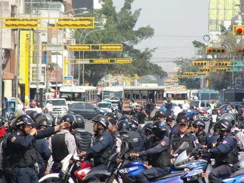 Enjambre policial, 12 de marzo