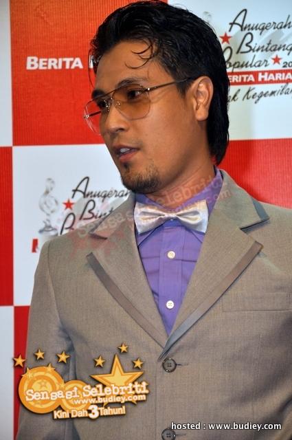Gaya ZED ZAIDI di Anugerah Bintang Popular 2009 | Sensasi Selebriti