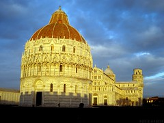 The Leaning Tower of Pisa (asiergapa) Tags: shadow italy sun tower tourism sol del clouds grande italia torre cathedral cloudy sombra pisa cielo nubes nublado piazza duomo construccin turismo leaning tarde the inclinada inclinacion