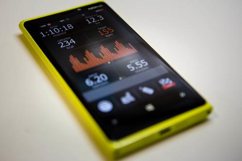 yellow nokia windowsphone caledosrunner lumia920