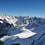 Descente par la Vallée Blanche, Aiguille du Midi, Chamonix-Mont Blanc, Haute-Savoie, Rhône-Alpes, France. thumbnail