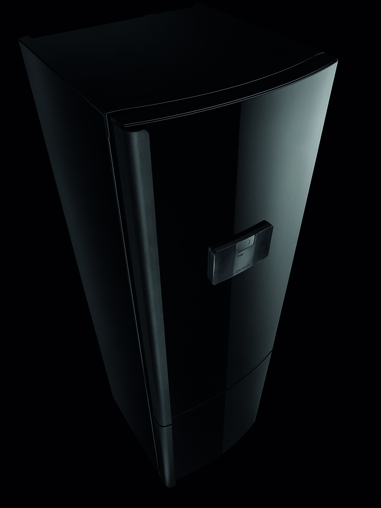 """Gorenje fridge freezer """"Made for iPod"""" from top without iPod"""