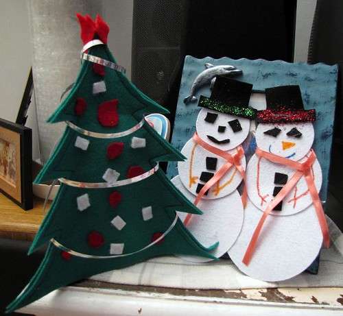 felt christmas tree and snowmen