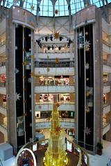 (SimonQ) Tags: christmas plaza winter december shanghai grand gateway swarovski  2009 xujiahui        grandgatewayplaza