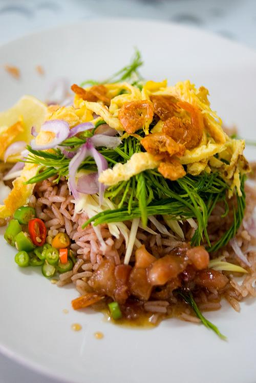 Khao khluk kapi at Ratana, a curry stall in Bangkok's Nang Loeng Market