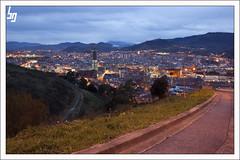 Camino a la Ciudad (borjagomez) Tags: atardecer torre ciudad bilbao vista nocturna panormica iberdrola artxanda arangoiti 4tografie anadoibarra