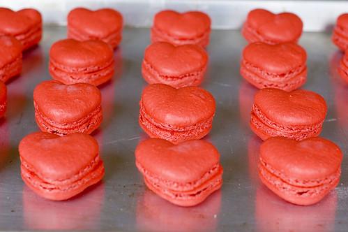 red velvet macarons - pairing