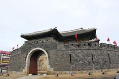 Suwon (euonymus_0220) Tags: building korea suwon