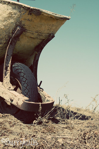 63-wheelbarrow-seventies