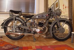 VICTORIA Motorcycle KR 20 EN  LUX Bj.1938 (THE ENGRAVER- Dortmund -) Tags: mars en beautiful bike museum vintage germany deutschland europa europe very steel 1938 victoria motorbike ag triumph motorcycle oldtimer express kr 20 veteran rex premier rare lux dortmund hercules nrnberg motorcycling zwerg stahl motorrad sachs prewar hecker zndapp mammut werke ocra orial steib nestoria owus