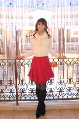 day162-08 beige knit+red skirt in venusfort (Yumiko Misaki) Tags: red beige knit twin skirt odaiba mermaid venusfort day161