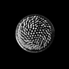 Stuzzicami - Tease me (progitto) Tags: white black texture geometrico toothpick bianco nero stuzzicadenti