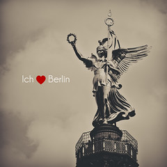 Did I mention that I'm absolutely in love with Berlin? (www.juliadavilalampe.com) Tags: city berlin deutschland photography europa europe hoy getty alemania estatua heute gettyimages siegessule smbolo chaulafanita juliadavila juliadavilalampe