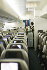 Cathay Pacific Economy Class (Ch.H) Tags: new bar 50mm airport long view pacific 14 lounge flight august cx class hong kong only karl boeing economy attendant 2009 cathay 747 hab 467 caon vhhh