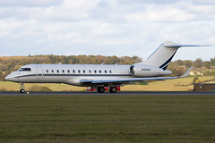 N100ES - 9108 - Earth Star Inc - Bombardier BD-700-1A10 Global Express - Luton - 091104 - Steven Gray - IMG_3562