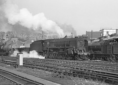 Class 9F. no.92050.  Bromsgrove. 2 March 1963 (ricsrailpics) Tags: uk bw steam freight 1963 2100 bromsgrove 9f exbr