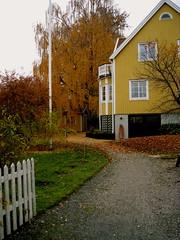 Bjrk Huset (insidious and subtle M) Tags: sweden huset vaxholm yellowhouse