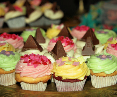 lolas cupcakes 6394 R