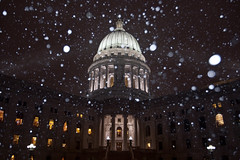 342_365 (beinshitty) Tags: winter snow wisconsin capitol madison capitolsquare capitoldome project3361